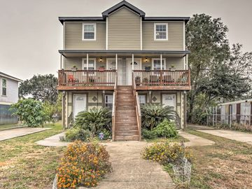 NEW! 2BR New Orleans Duplex w/Porches-Walk to Lake