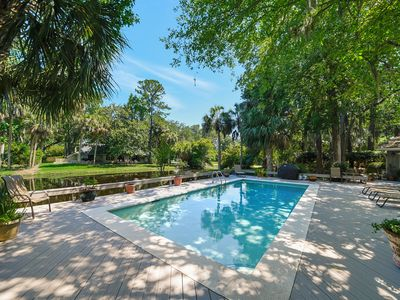 Photo for 13 St Andrews ~ Walk to Harbour Town! Bike to the Beach! Private Sunny Pool!