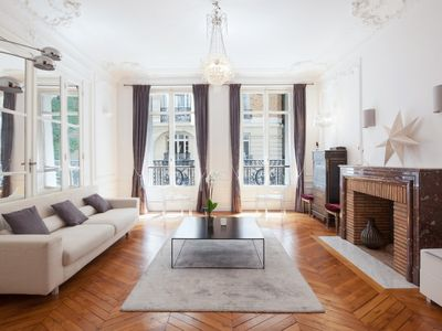 Photo for Beautiful Haussmanian apartment of 120m2 for 4