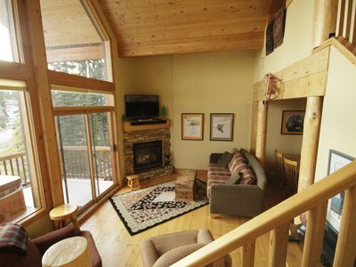 Photo for Bright Cozy 3 Bedroom Townhouse Cabin - Ski In/Out -private hot tub with vi