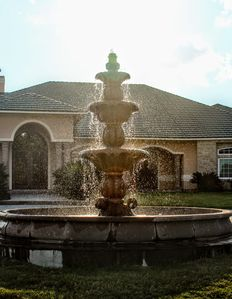Gorgeous 3 tiered fountain and bird bath. Great for photos.