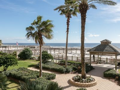 Photo for Elegant Gulf-front penthouse w/ beach access & shared pools/gym/tennis!