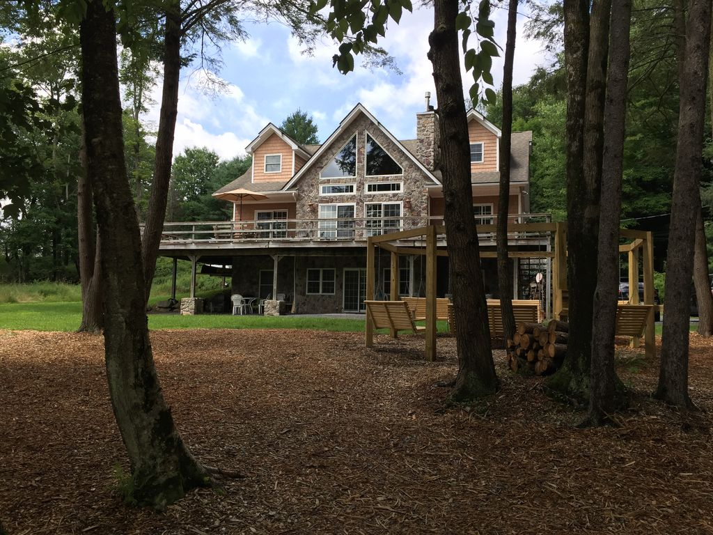 Stunning Lakehouse With Modern Amenities Vrbo