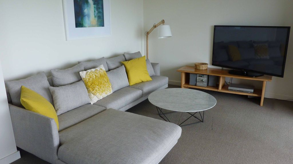 the KALIMNA APT NO 5, LORNE, VIC