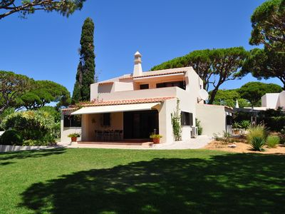 Photo for Beautiful villa with large garden and pool, a few minutes to the beach
