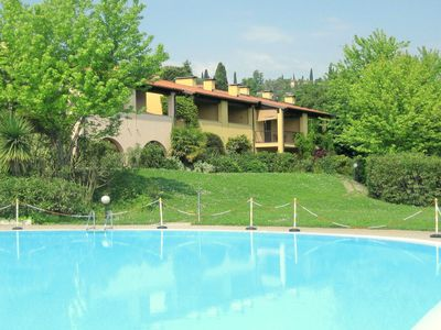 Photo for Beautiful Cottage in the Vineyard with Shared Pool