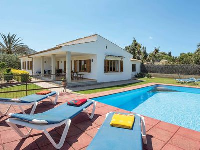 Photo for Traditional Majorcan villa w/ air con + pool situated between two beach resorts