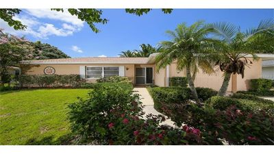 Photo for Private Pool Home only 3 miles from Siesta Key Beach!