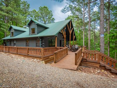 Photo for Serene Luxury cabin for Families/Couples! Mins away from lakes/activities
