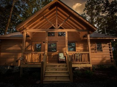 Photo for Golden View is a charming cabin with easy access roads and ideal for small groups.  Non pet-friendly