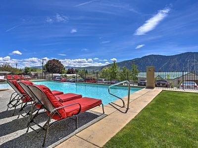 Photo for Luxury on Lake Chelan-Pool, Hot Tub, Incredible Views, Walk to Downtown Wineries
