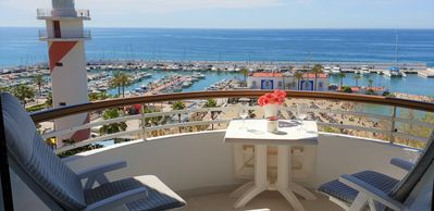 Photo for Fantastic 2 bed 2 bath beachside penthouse with pool and parking