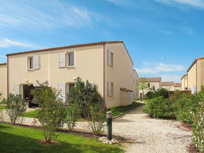Photo for 2 bedroom Apartment, sleeps 6 in Aubignan with Pool and WiFi