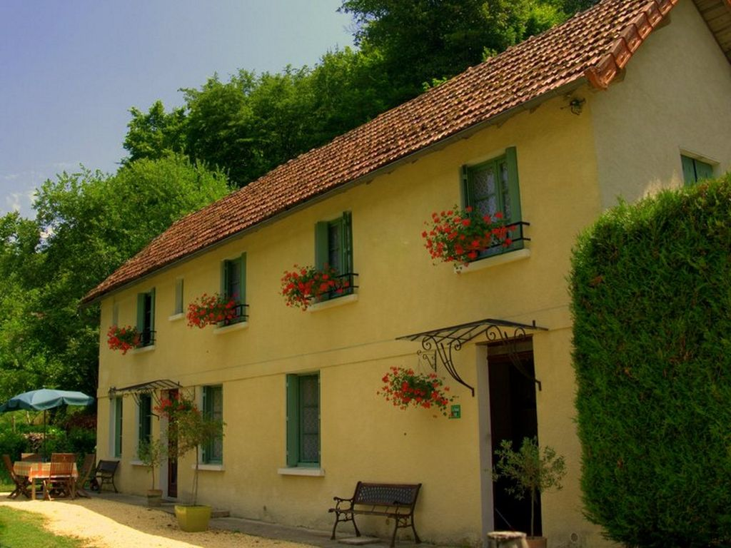 Les Eyzies-de-Tayac-Sireuil Holiday House: SHORT STROLL to Monday ...