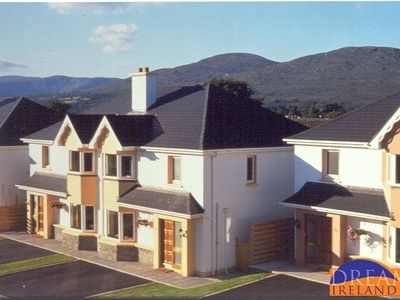 Photo for 3 bedroom holiday home less than 10 mins stroll to Kenmare town centre