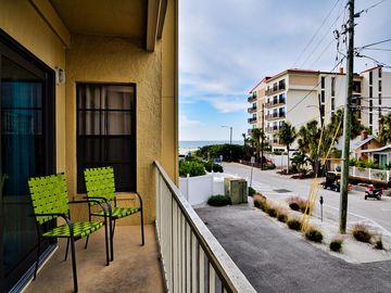 Villas of Clearwater Beach 2B Refurbished - just steps to beach