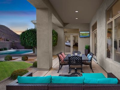 Photo for Beautiful home with private pool - mountain/desert views!