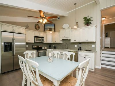 Photo for Beautiful Oceanview Townhome with pool, baby pool, close to Coligny Plaza
