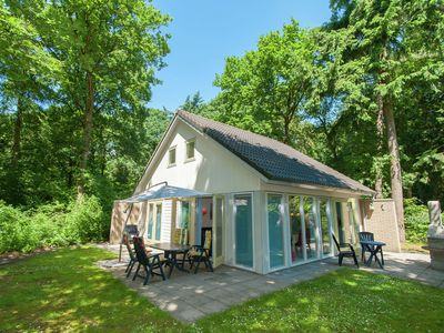 Photo for Superb villa in the woods of Gaasterland with WiFi and fireplace