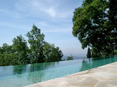 Photo for Stunning view of the Mediterranean Sea, 20m infinity pool, separate guest house