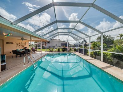 Photo for Minutes to the River - Boater Dream - FREE WiFi, private Pool, BBQ, A/C