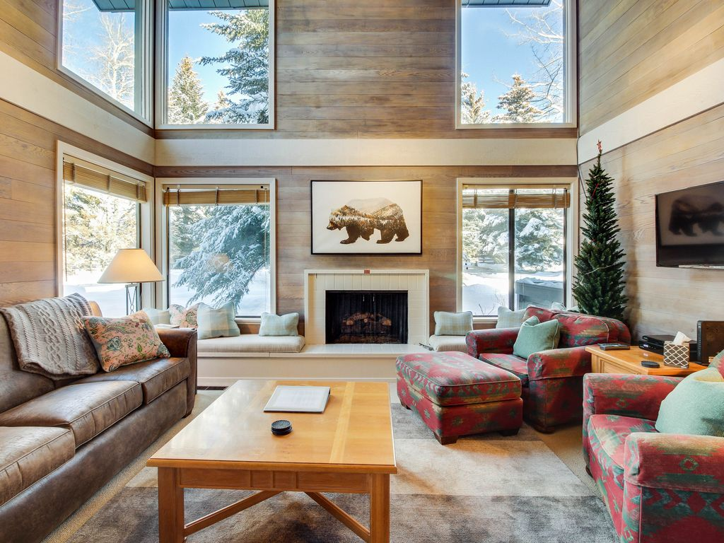 Location Location Location W Access To Sun Valley Lodge Pool Hot Tub 3 Br Vacation Condo
