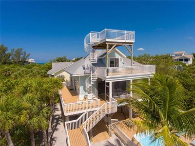 Tiki Bar, Pool, Outdoor Shower, Lifted Cart, Beachview