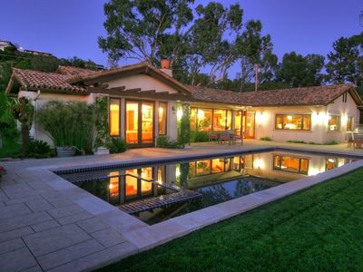 Located in the hills of upper Montecito, this home has views and close proximity to the best shops and restaurants.