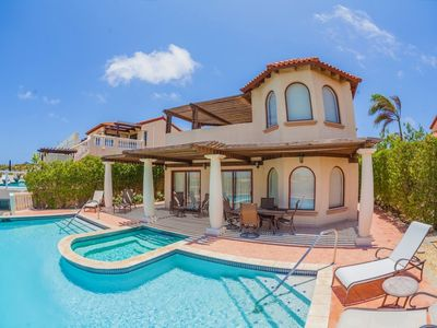 Beautiful 2-bedroom villa in Aruba - contact us today for best rates & concierge!