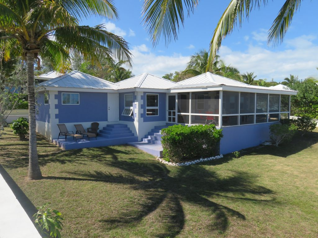 House rentals green turtle cay - Coconut Is Surrounded By Tropical Trees