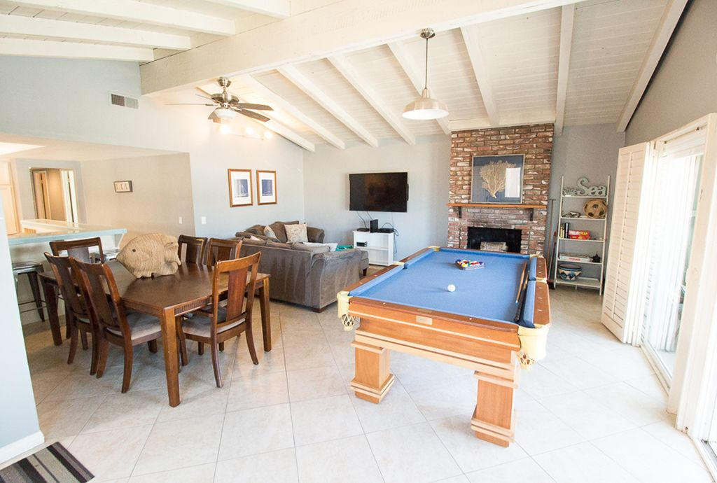 ENTIRE DUPLEX END OF SUMMER SALES Pool Table And Ping Pong Table - Newport pool table