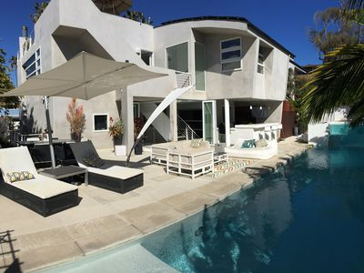 Modern Dream! Amazing views of Ocean!  Walk to the Beach with Pool and Spa!