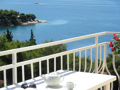 Photo for Trogir Yellow House A3, great location. Fantastic sea view, private balcony