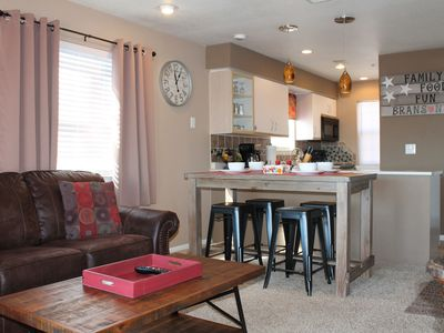 Photo for Branson Valley View Beauty/NO STAIRS/Indoor Pool/Golf/WiFi/Close to The Landing
