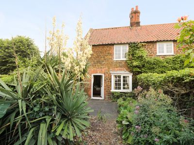 Photo for CURLEW COTTAGE, romantic, with open fire in Heacham, Ref 954238