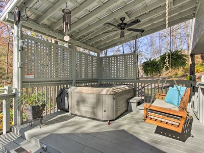Photo for Updated Gatlinburg Cottage w/Hot Tub-Walk to Town!
