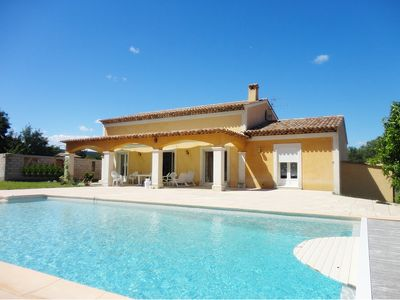Photo for Villa 8 pers swimming pool / all trade 15km Fréjus