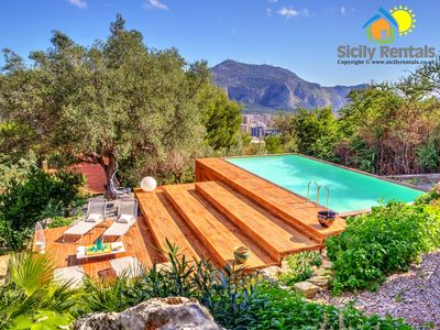 Photo for Beautiful villa with swimming pool facing a breath-taking view