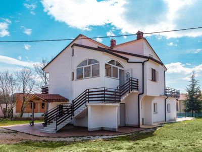 Photo for Vacation home Blanka (PZN216) in Pazin - 8 persons, 4 bedrooms