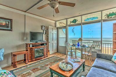 Book your Virginia Beach retreat to this nautical vacation rental studio!