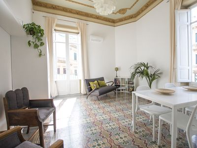 Photo for Large bright apartment in Liberty building - Excellent position