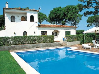 Photo for Vacation home in Playa de Pals, Costa Brava - 8 persons, 4 bedrooms