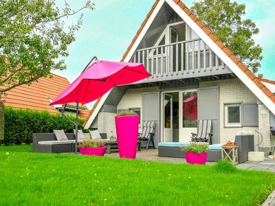 Photo for 6 pers. Sunny house with equipped terrace behind a dike at Lauwersmeer