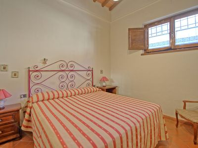 Photo for Nice apartment for 4 guests with pool, WIFI and parking