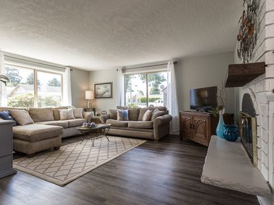 Photo for Charming & pet friendly two bedroom home near the beach in Seaside, Oregon!