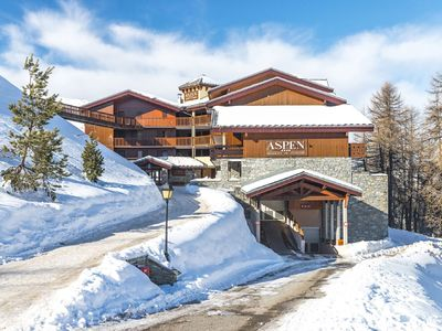 Photo for Spacious apartment in cozy residence with swimming pool in Plagne Villages