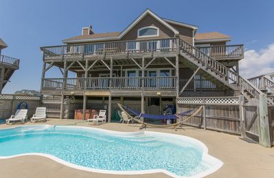 Photo for D4229 Victoria's View II. Oceanfront, Elevator, Pool, Hot Tub, PETS OK, WiFi!