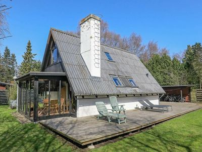 Photo for Spacious Holiday Home in Vaeggerlose with Terrace