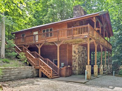 Photo for 'Lakewood' Cabin w/ Spa & Creek By Red River Gorge