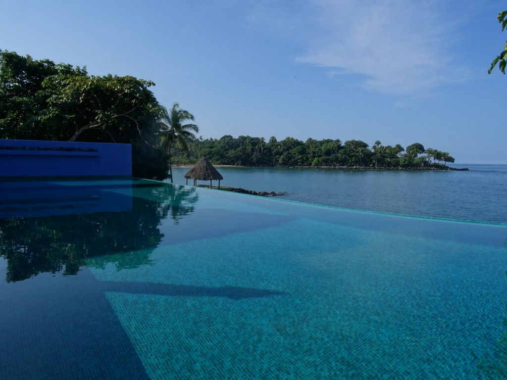 soloro private paradise infinity pool chef homeaway. Black Bedroom Furniture Sets. Home Design Ideas